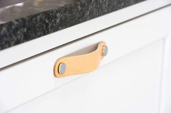 Beslag Design nahast mööbli käepide naturaalne/kroom Palmett Lukud