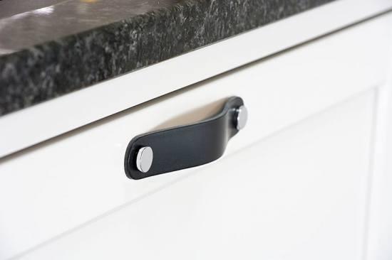 Beslag Design nahast mööbli käepide must/kroom Palmett Lukud
