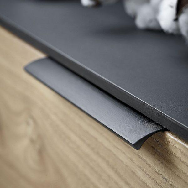 Beslag Design profiilkäepide matt must Palmett Lukud