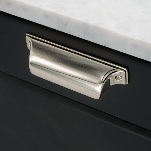 Beslag Design kausskäepide Timjan nikkel Palmett Lukud